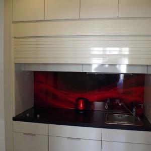 interiér zásuvná kuchyňská linka
