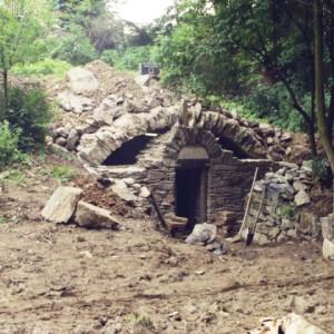 stavba sklepa z kamení